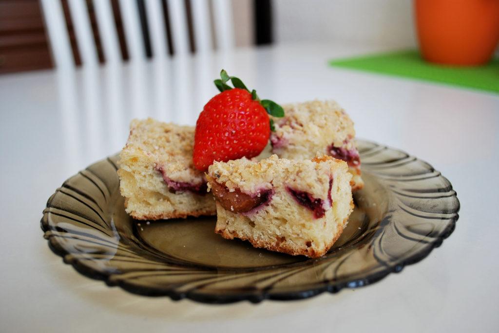 švestkový koláč s drobenkou