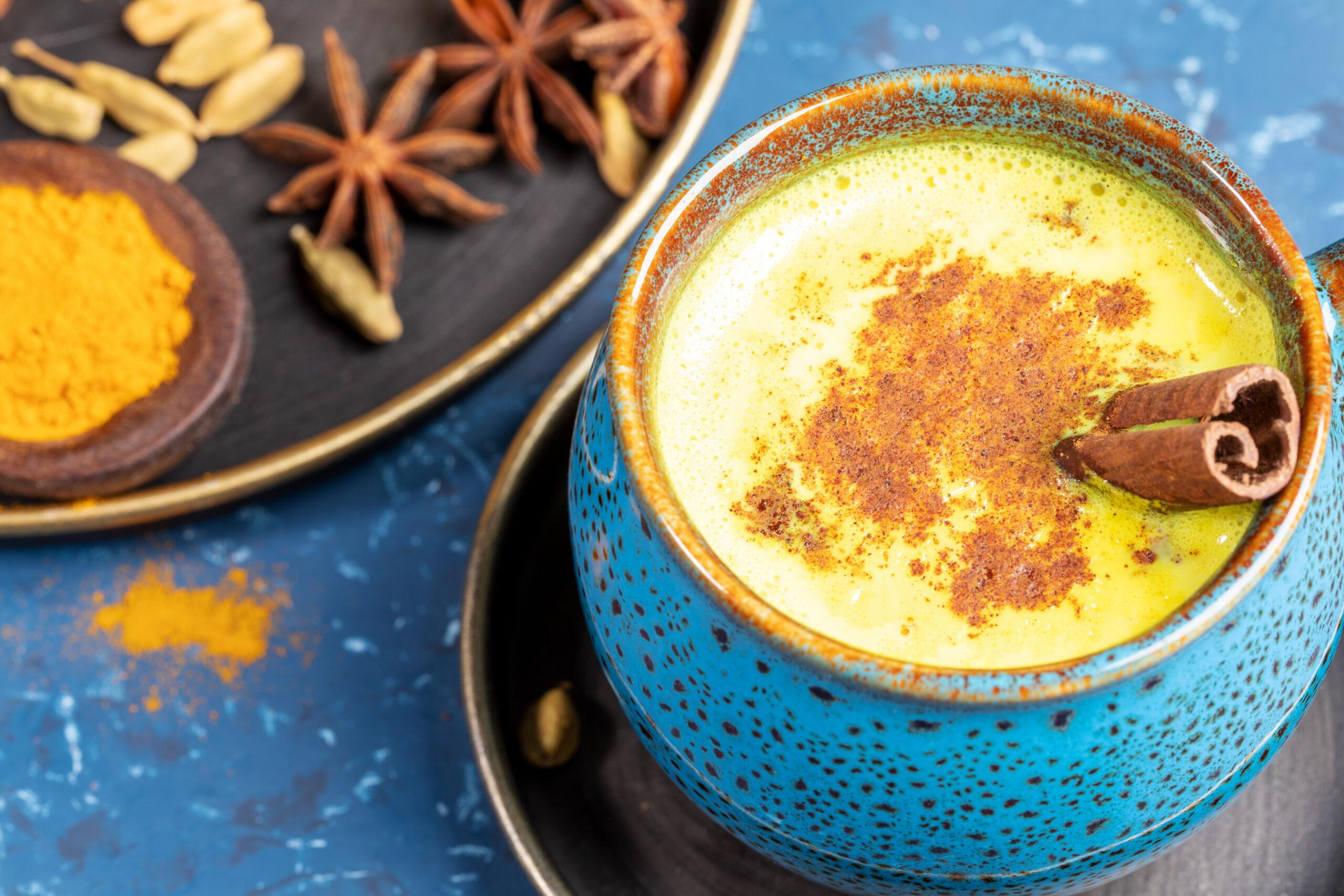 zlaté mléko - nápoj z kurkumy